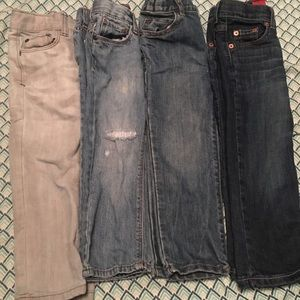 Several 3T boys jeans